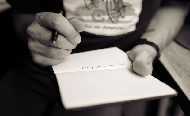 8 Ways to L.E.V.E.R.A.G.E Your Story and Make Your Book Your New Business Card