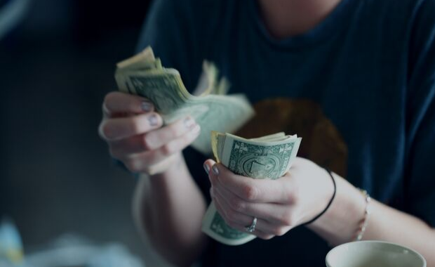 7 Ways to Make Yourself Better at Managing Your Money