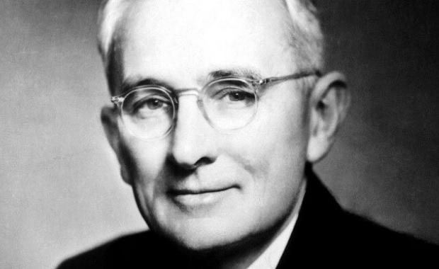 9 of Dale Carnegie's Most Powerful Quotes About Gratitude