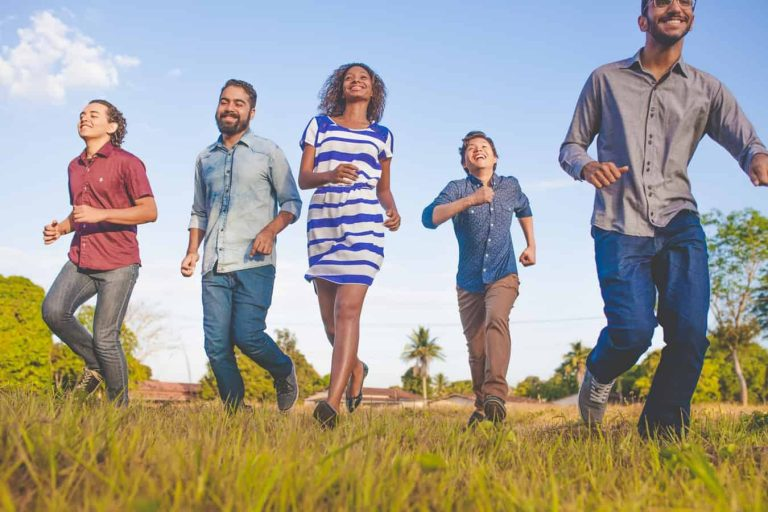 7 Reminders on Building Strong Family Relationships