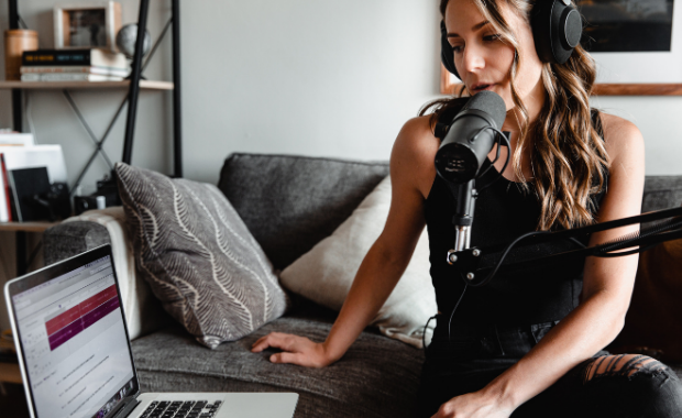 11 of the Best Podcasts to Help Women Entrepreneurs Grow Their Businesses